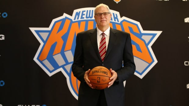 New photo collection has picture of young Phil Jackson in the nude