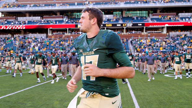 Baylor QB Seth Russell fractures bone in neck - IMAGE