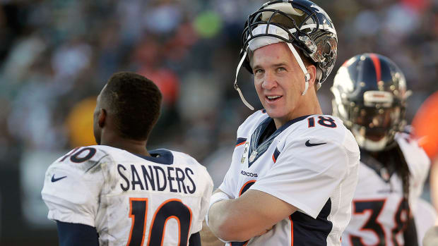 Report: Peyton Manning meets with John Elway IMAGE