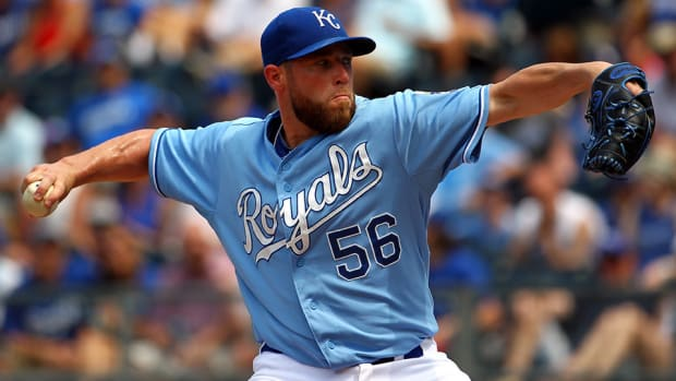 greg-holland-royals-closer-free-agent-contract-non-tender.jpg