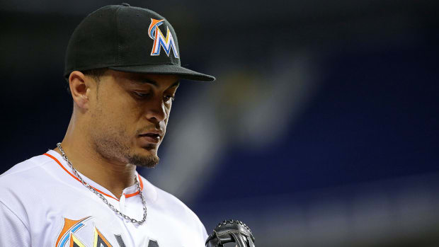 Marlins OF Giancarlo Stanton could return to lineup Friday--IMAGE