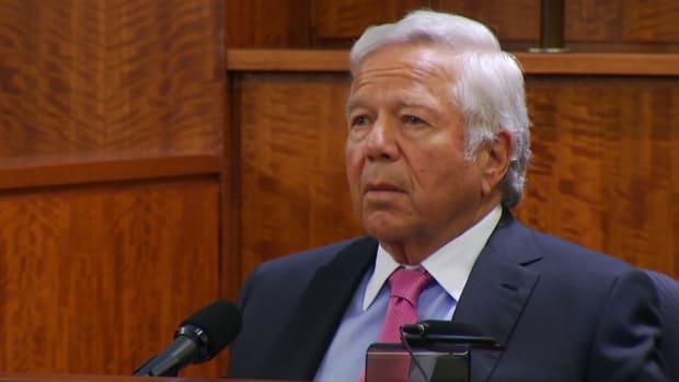 Robert Kraft testifies at Aaron Hernandez trial