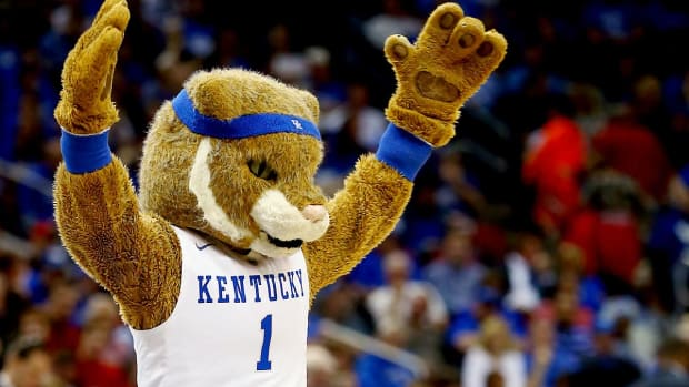 00-lead-kentucky-mascot2.jpg