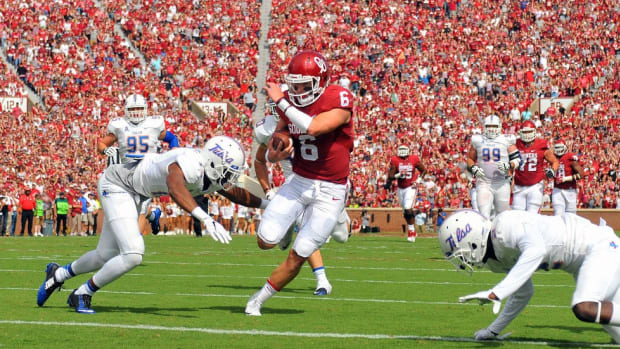 Evolution is in the air: Oklahoma's makeover reinforces need to adapt in college football