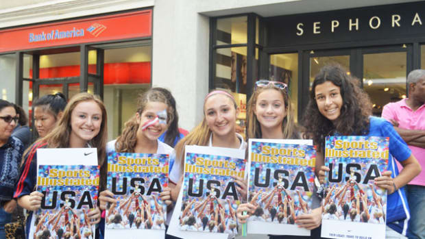 uswnt-parade-world-cup-2015-kids-4.jpg