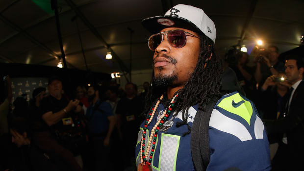 Marshawn Lynch: Handing out fashion advice IMG