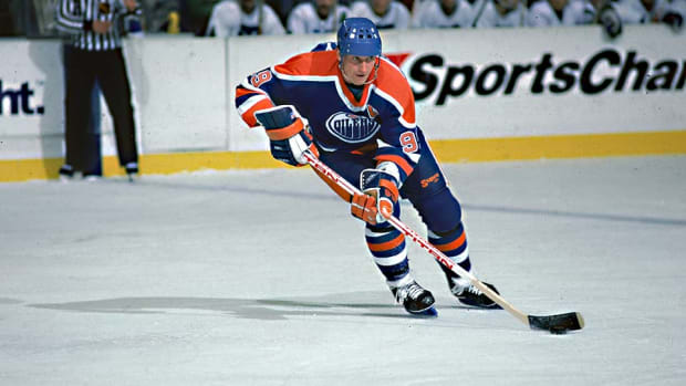 Wayne-Gretzky-1985-Bruce-Bennett.jpg
