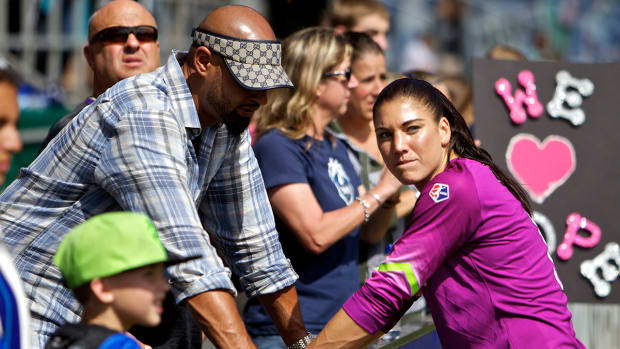 Hope Solo's husband was driving U.S. Soccer van when arrest for DUI-image