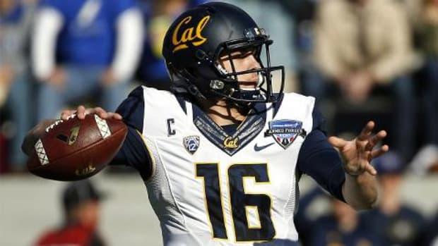 California Golden Bears QB Jared Goff sets two Pac-12 passing records - IMAGE
