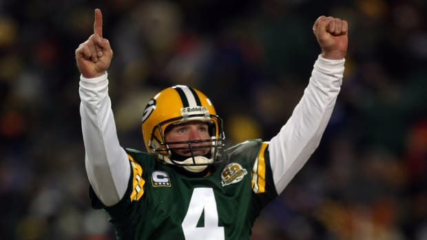 packers-honor-brett-favre-thanksgiving-game.jpg