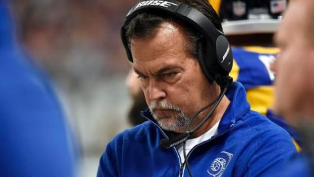 Report: Rams expected to keep Jeff Fisher and Les Snead for 2016--IMAGE