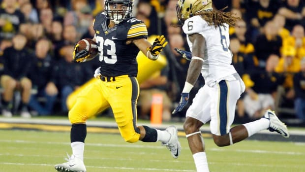 Jordan Canzeri Q&A: Iowa R​​B on team's strong start, postgame dancing and Kirk Ferentz