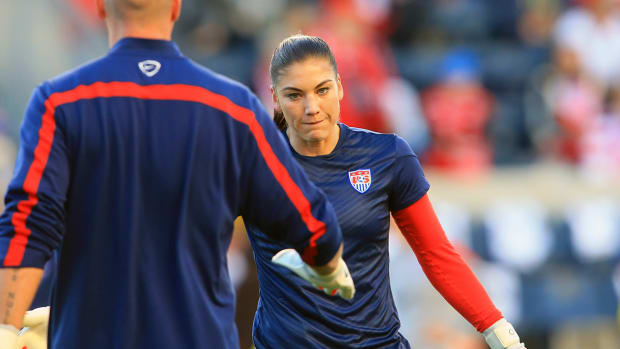 Domestic violence charges against Hope Solo dropped IMAGE