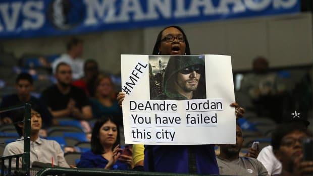 Mavericks fans boo DeAndre Jordan during pregame introductions--IMAGE
