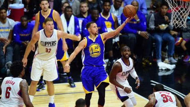 Stephen Curry, Warriors stay perfect with comeback win over Clippers -- IMAGE
