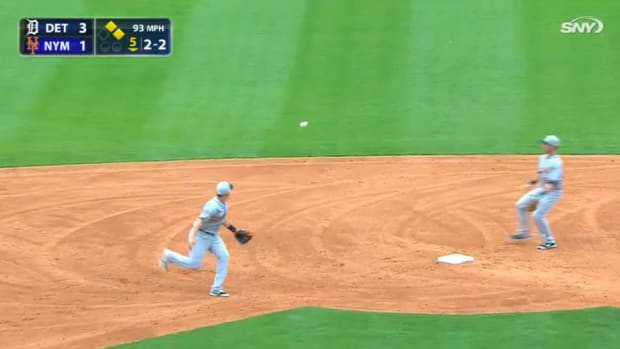 tigers mets double play weird video