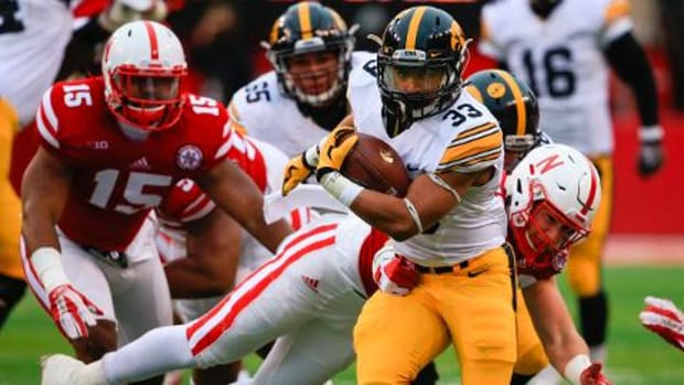 No. 4 Iowa tops Nebraska 28-20, move to 12-0 -- IMAGE