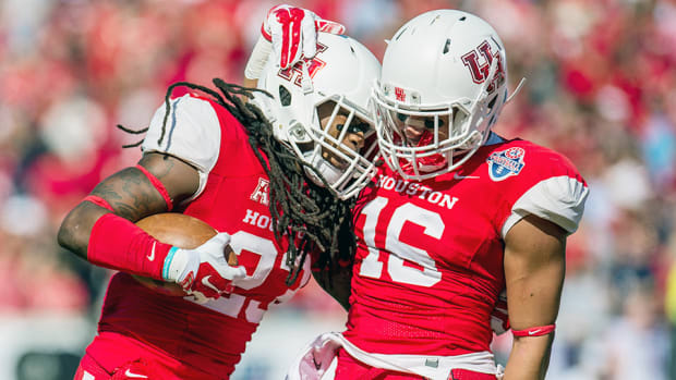 houston-cougars-beat-temple-owls-celebrate.jpg