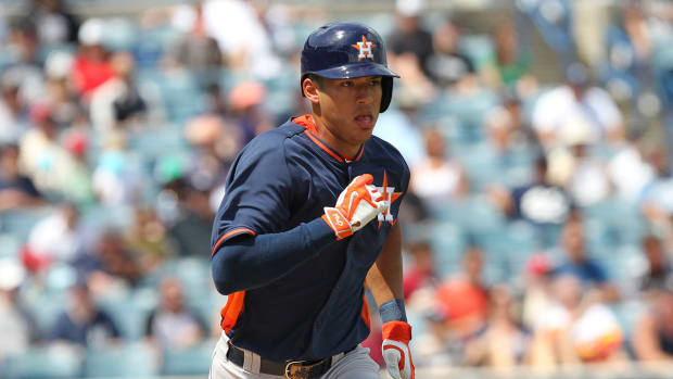 Astros call up 2012 No. 1 pick Carlos Correa