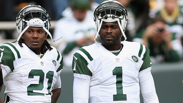 Jets to allow QB Michael Vick and RB Chris Johnson to leave team