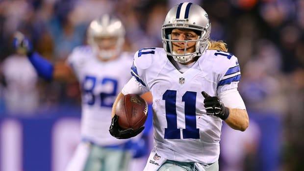 giants-cowboys-cole-beasely-muffed-punt-video.jpg