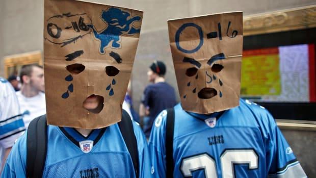 detroit-lions-worlds-angriest-fan-bags.jpg