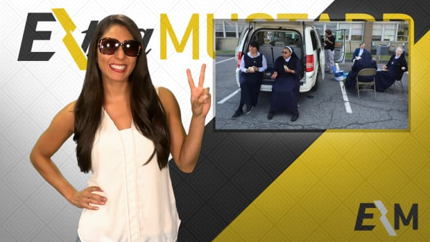Mustard Minute: Nuns tailgate for Pope Francis' first mass in America IMG