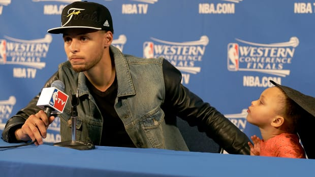 2157889318001_4261938520001_riley-curry-stephen-curry-press-conference.jpg
