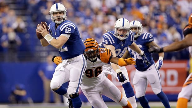 colts bengals andrew luck td pass