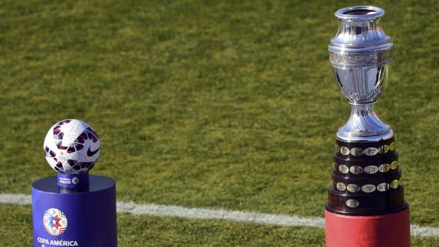 copa-america-centenario-trophy.jpg