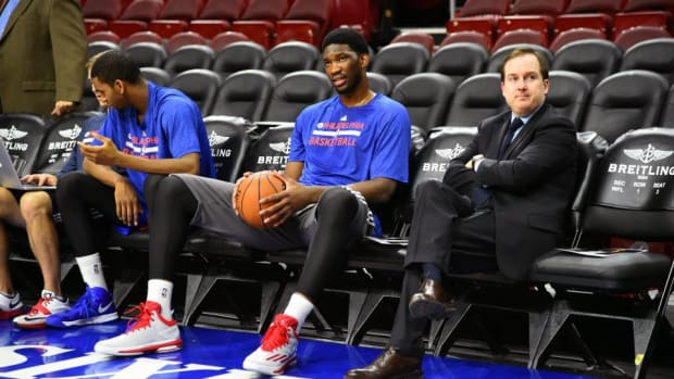 Joel Embiid teases LeBron James on Twitter after 76ers beat Cavs