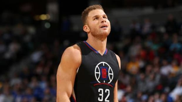 Blake Griffin out at least two weeks with partial quad tear -- IMAGE