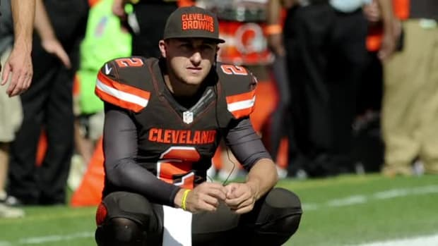 Report: Johnny Manziel pulled over after domestic argument involving alcohol--IMAGE