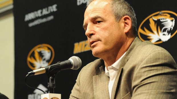 Missouri football coach Gary Pinkel to resign following 2015 season due to health issues -- IMAGE