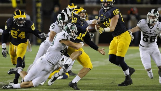 Campus Clicks: Stunning Michigan State-Michigan finish, another injury flop