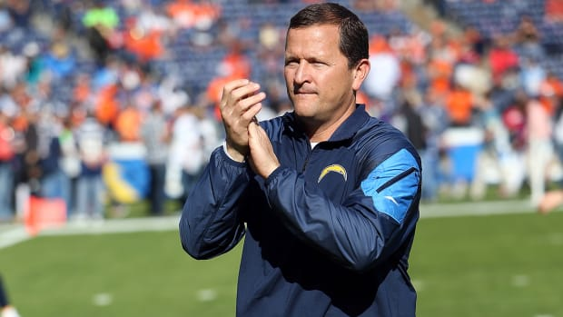 Redskins hire Chargers LB coach Joe Barry as defensive coordinator IMAGE