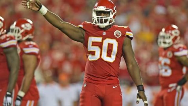 Report: Justin Houston could miss remainder of regular season IMAGE