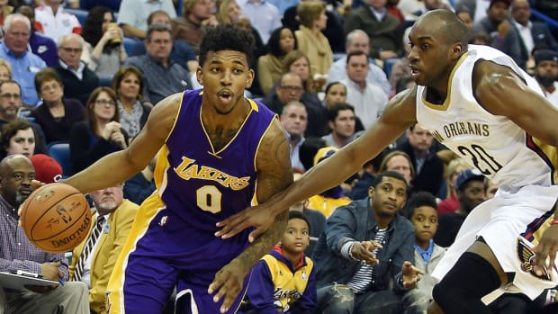 los angeles lakers nick young ankle injury
