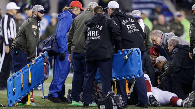 mike-iupati-injury-update-cardinals-seahawks-ambulance.jpg