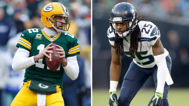 Can Aaron Rodgers overcome his injury to upset the Seahawks?-image