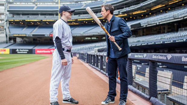 seth-meyers-yankee_stadium-bat-boy.jpg