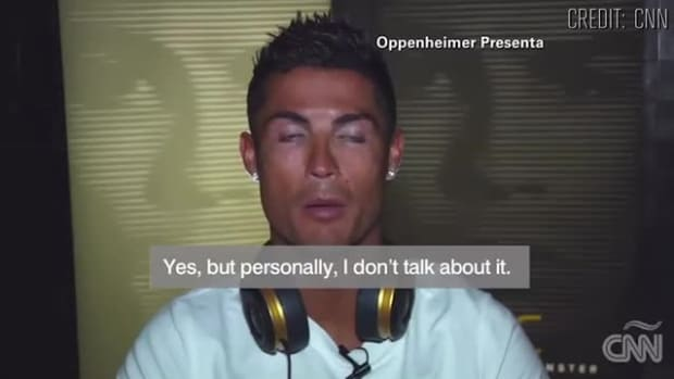 Cristiano Ronaldo walks out on interview - IMAGE