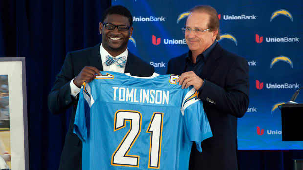 2157889318001_4288692389001_Chargers-to-retire-Ladanian-Tomlinson-s-number.jpg
