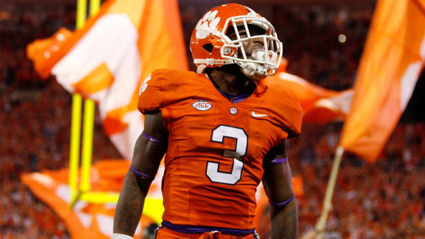 College Football Playoff rankings: Top 4 remain steady from last week--IMAGE