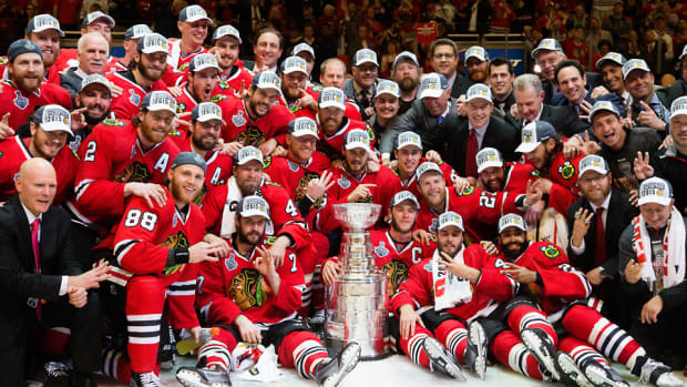chicago-blackhawks-2015-stanley-cup-team-group-klutho.jpg