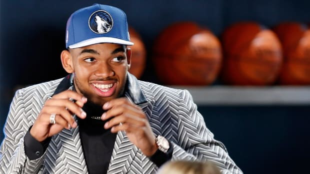 karl-anthony-towns-wolves-no.1-pick.jpg