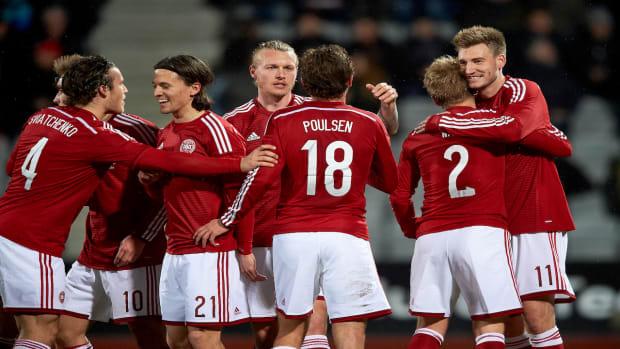 Denmark beats USA 3-2 IMAGE