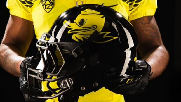 oregon-ducks-football-uniforms-greorgia-state.png