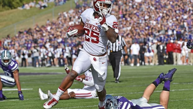 Oklahoma's Joe Mixon finally faces media, but refuses to answer questions about violent incident