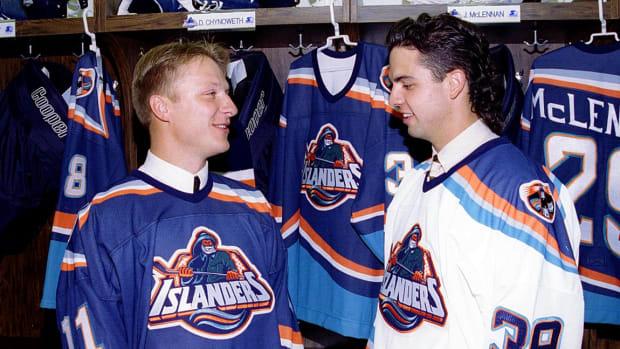 New-York-Islanders-fisherman-uniform-1995-Darius-Kasparaitis-Travis-Green_0.jpg